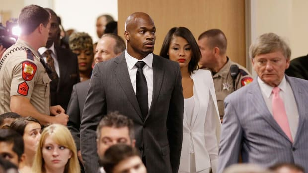adrian-peterson-trial