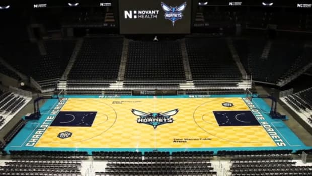 Hornets New Court - Large