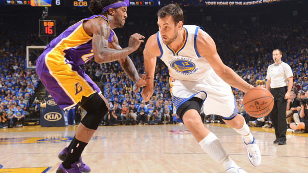 Andrew Bogut out indefinitely with knee injury IMAGE
