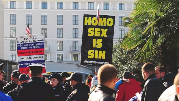 anti-gay-protest-sochi-olympics.jpg