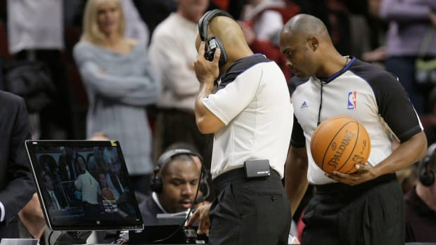 nba-refs-instant-replay