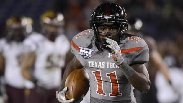 Report: Texas Tech WR Jakeem Grant stabbed in neck at off-campus shooting incident