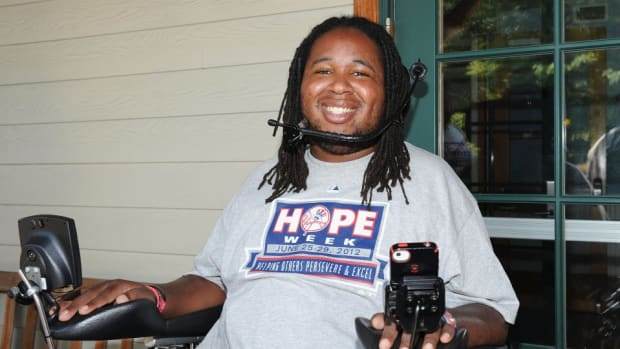 Eric LeGrand tweeted a phot of his injury in response to Beyonce's VMA performance
