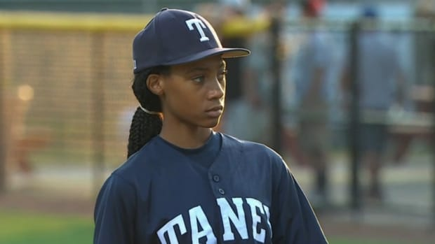 Mo'Ne Davis threw a 3-hitter to get her team to the LLWS
