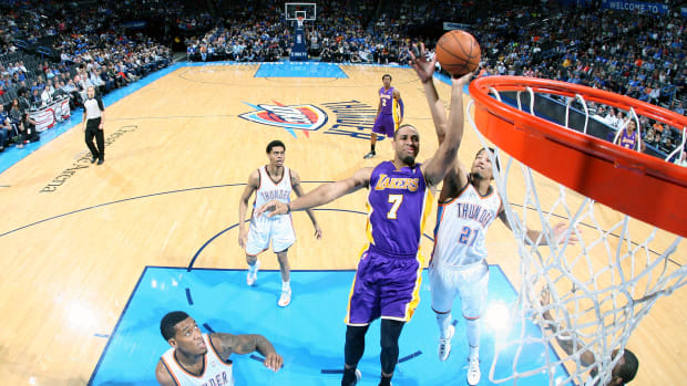la-lakers-re-sign-xavier-henry