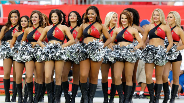 Tampa-Bay-Buccaneers-cheerleaders-AP9615703250_7.jpg