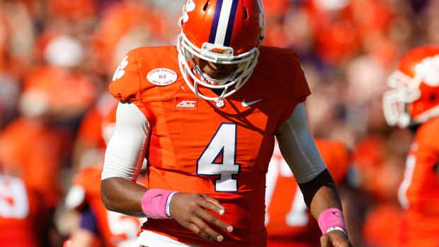 Clemson QB Deshaun Watson to have hand surgery, likely out 1 month