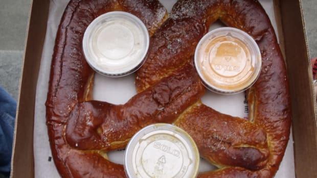 pretzel large.jpg