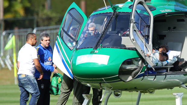 Neymar Fractured Vertebra Injury Barcelona Brazil