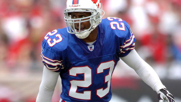 troy-vincent-openly-gay-players-nfl.jpg
