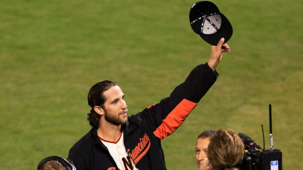 Madison Bumgarner throws 4-hit shutout against Royals in Game 5