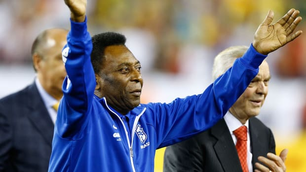 Pele released from hospital after making full recovery