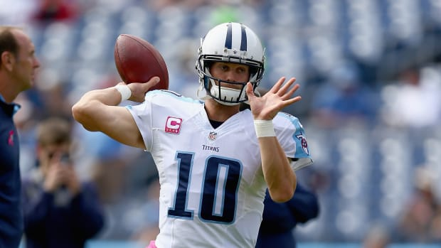 Jake Locker Charlie Whitehurst Tennessee Titans thumb injury