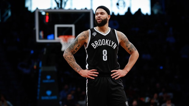 Report: Kings, Nets talk trade involving Deron Williams - image