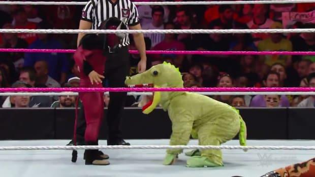 Alligator WWE RAW