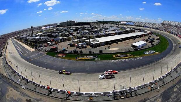 NASCAR-Dover.jpg