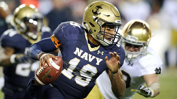 keenan-reynolds-navy-midshipmen-poinsettia-bowl.jpg