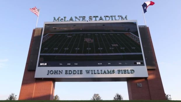 Baylor Bears show off McLane Stadium with time lapse video