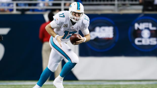 Dolphins vs. Bills: Which team will stay in playoff race? - Image
