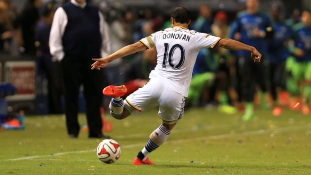Does Landon Donovan finish his career with a MLS Cup? - Image