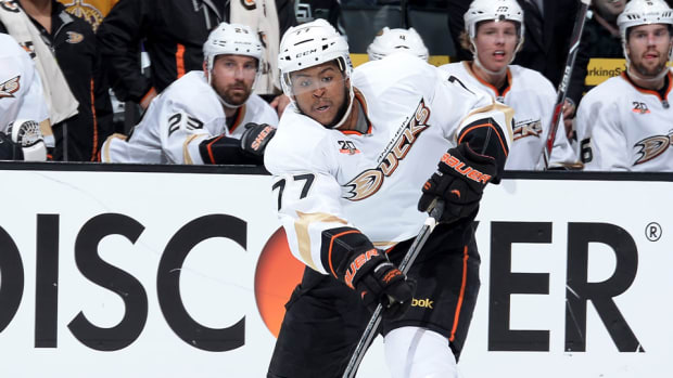ducks re-sign Devante Smith-Pelly
