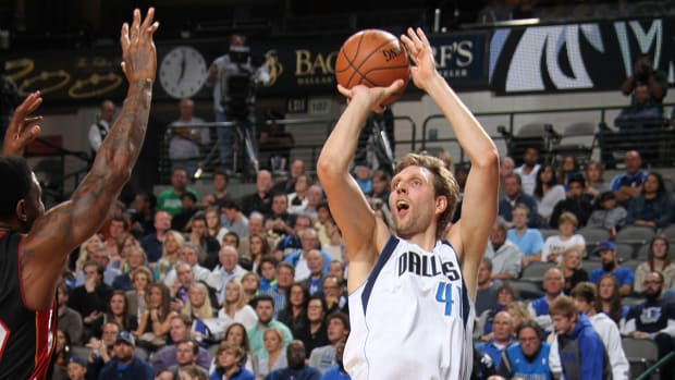 Dirk Nowitzki passes Hakeem Olajuwon on all-time scoring list IMAGE