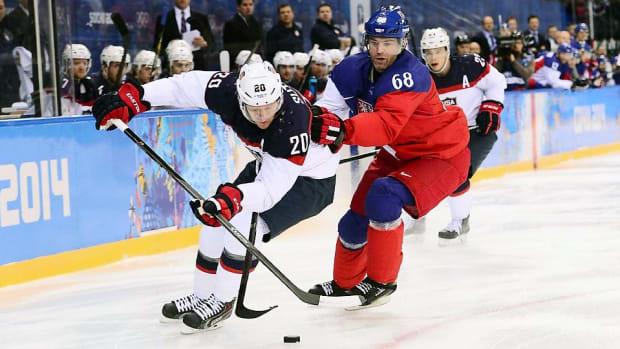 ryan-suter-sochi-olympics-hockey-team-usa-czech-republic-02192014.jpg