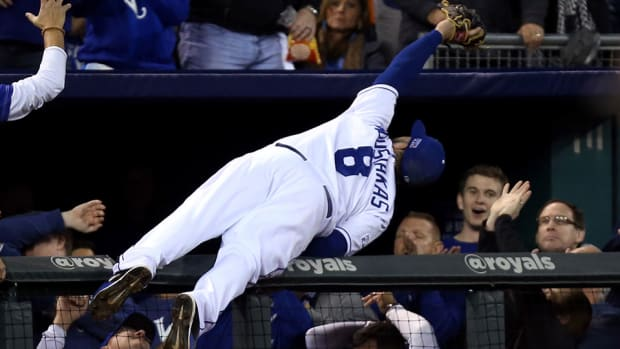 royals Mike Moustakas catch dugout alcs video