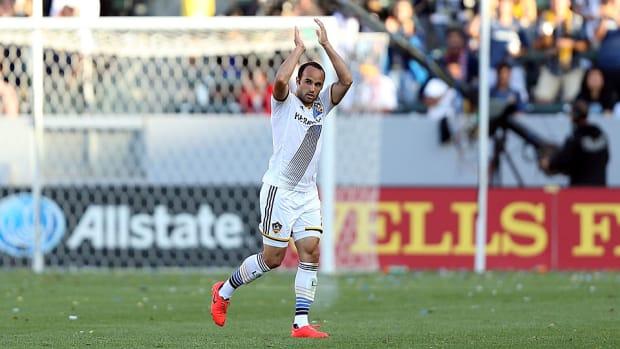 Landon Donovan retires