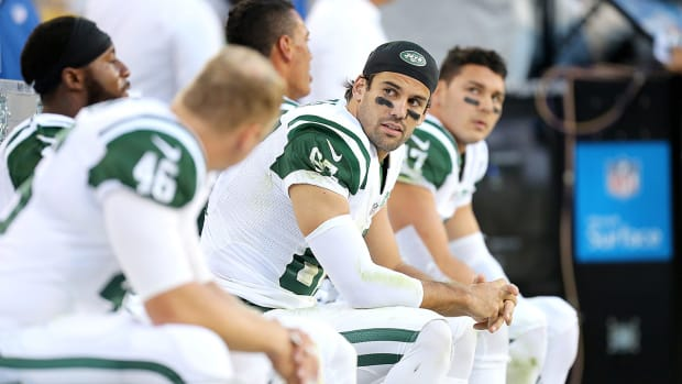 Eric Decker pulled out of Jets practice with hamstring tightness