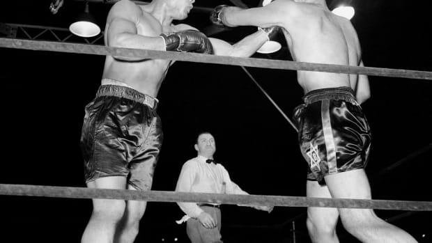 1941-joe-louis-buddy-baer.jpg