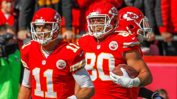 Chiefs tight end Anthony Fasano catches fluke touchdown