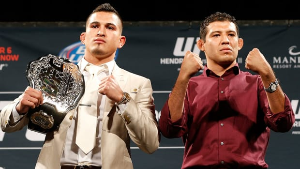 Anthony Pettis predicting 1st rd knockout: 'I don't get overtime'