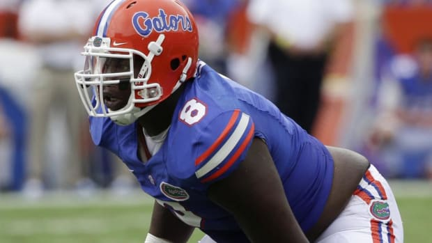 Florida DL Leon Orr takes bus home after realizing he wouldn't start - image