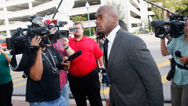 adrian peterson child injury trial nfl discipline