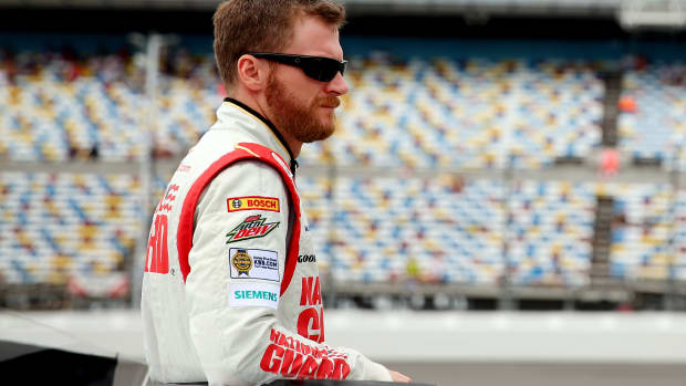 dale-earnhardt-jr-new-crew-chief-greg-ives
