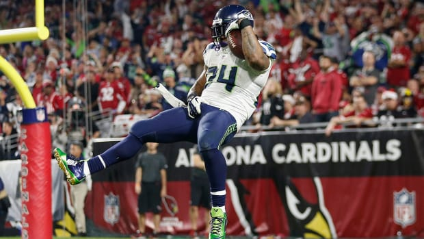 Marshawn Lynch makes controversial gesture after 79-yard TD run