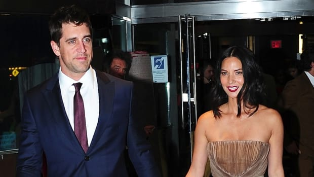 aaron-rodgers-olivia-munn-green-bay-packers.jpg.jpg