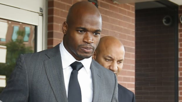 PFN: Will Minnesota move on from Adrian Peterson?