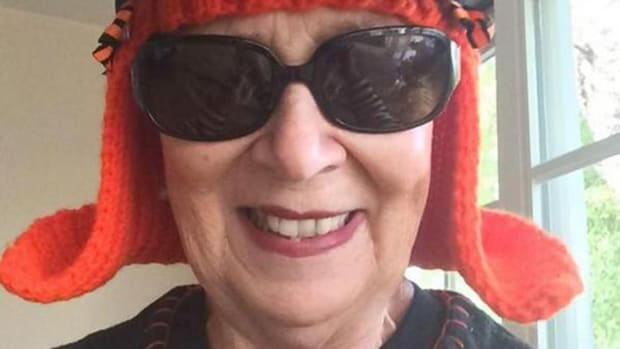 Grandma tries to knit Giants to World Series win