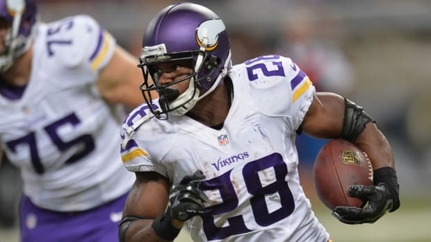 adrian-peterson-vikings-gm.jpg