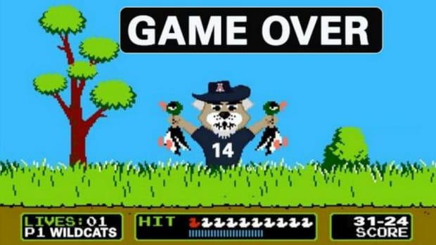 Arizona Wildcats posted this Duck Hunt inspired tweet after beating Oregon