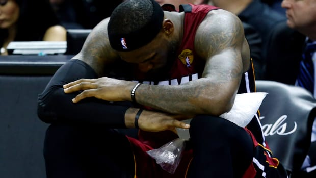 2157889318001_3609560941001_LEBRON-JAMES-CRAMPS-GOING-FORWARD.jpg