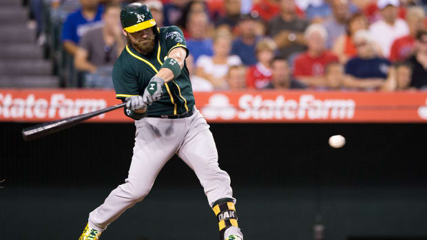 Report: Athletics trade catcher Derek Norris to Padres IMAGE