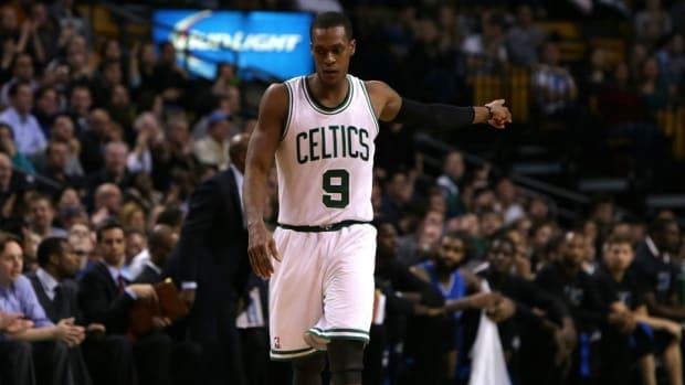 Mavericks follow Celtics' Rajon Rondo on Twitter