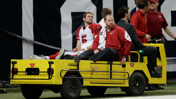 Cardinals QB Drew Stanton carted off field with knee injury IMAGE