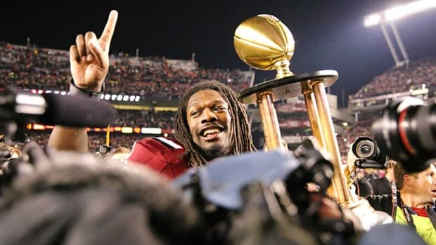 131226165446-jadeveon-clowney-2-single-image-cut.jpg