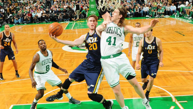 131107083610-gordon-hayward-getty-single-image-cut.jpg