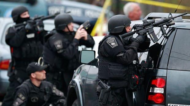 130419074638-boston-swat-team-single-image-cut.jpg