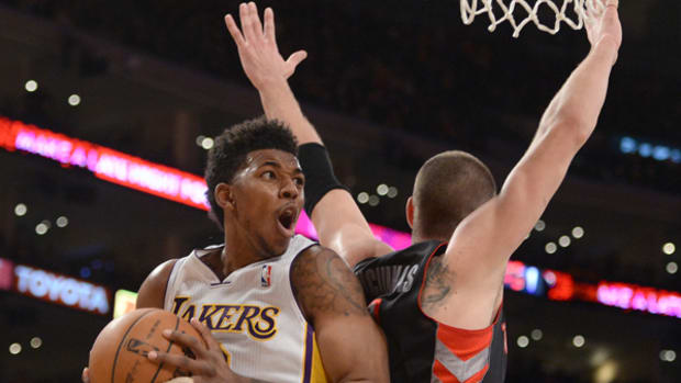 nick-young-spin.jpg